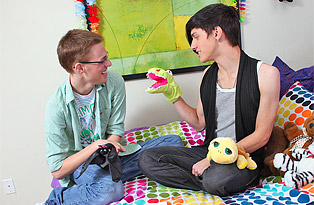 Jae Landen gay twinks 18+ video from Lollipop Twinks